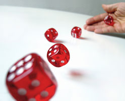 rolling_dices_complize_photocase_com
